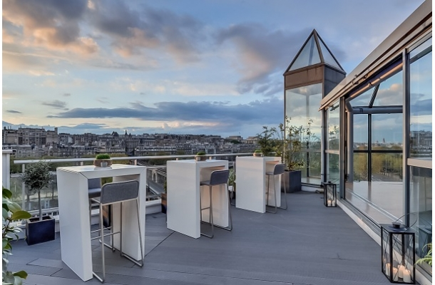 paris v nement le rooftop 15. Black Bedroom Furniture Sets. Home Design Ideas